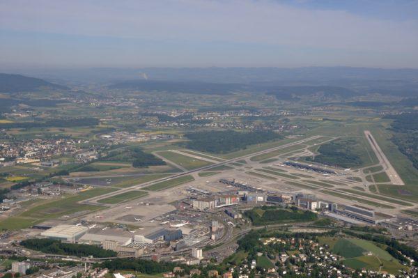 Foto: Flughafen Zürich aus der Vogelperspektive
