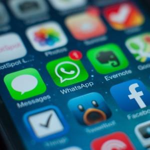 Foto: WhatsApp-Symbol auf einem iPhone-Homescreen