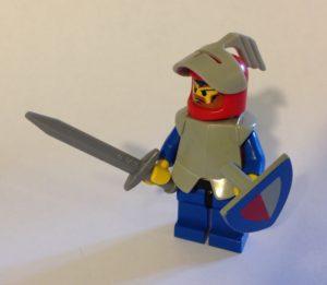 Foto: Ritter-Legofigur mit Schwert und Schild