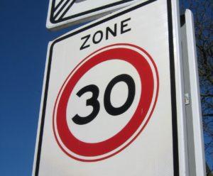 Strassenschild: «Zone 30»