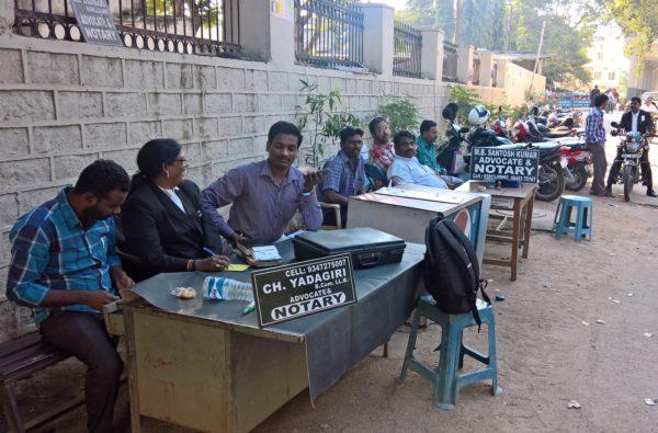 Foto: Open Air-Anwälte und -Notare in Secunderabad, Indien