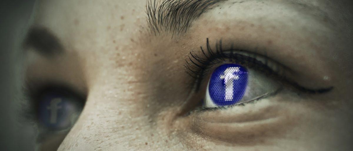 Bild: Offene Augen, wobei ein Auge anstelle der Iris das Facebook-Logo zeigt