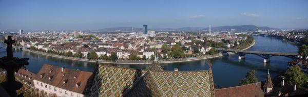 Foto: Rheinknie in Basel (Panoramabild)