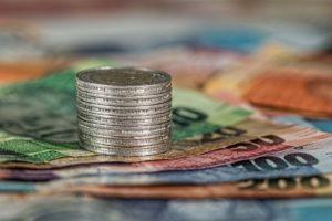 Foto: Banknoten und Münzen