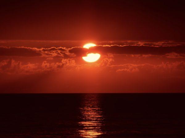 Foto: Sonnenuntergang am Meer