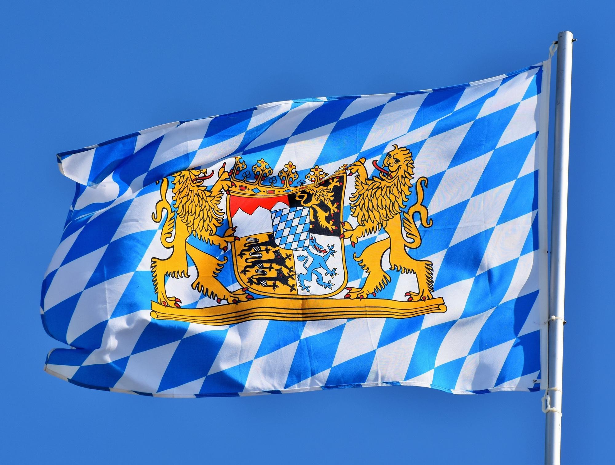 Foto: Bayerische Rauten-Staatsflagge