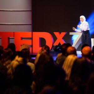 Foto: Auftritt von Rima Alaifari bei TEDxZurich 2017