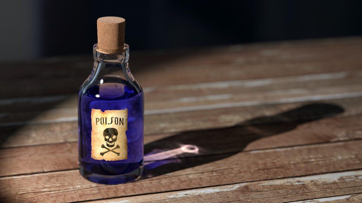 Foto: Verkorkte Flasche mit blauer Flüssigkeit und dem Etikett «Poison»