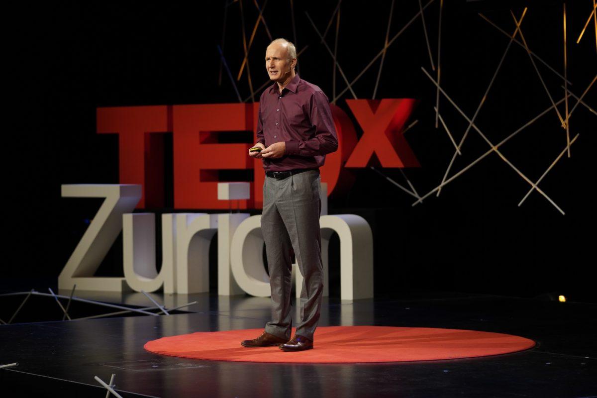 Foto: Auftritt von  Nikolai Fuchs bei TEDxZurich 2018