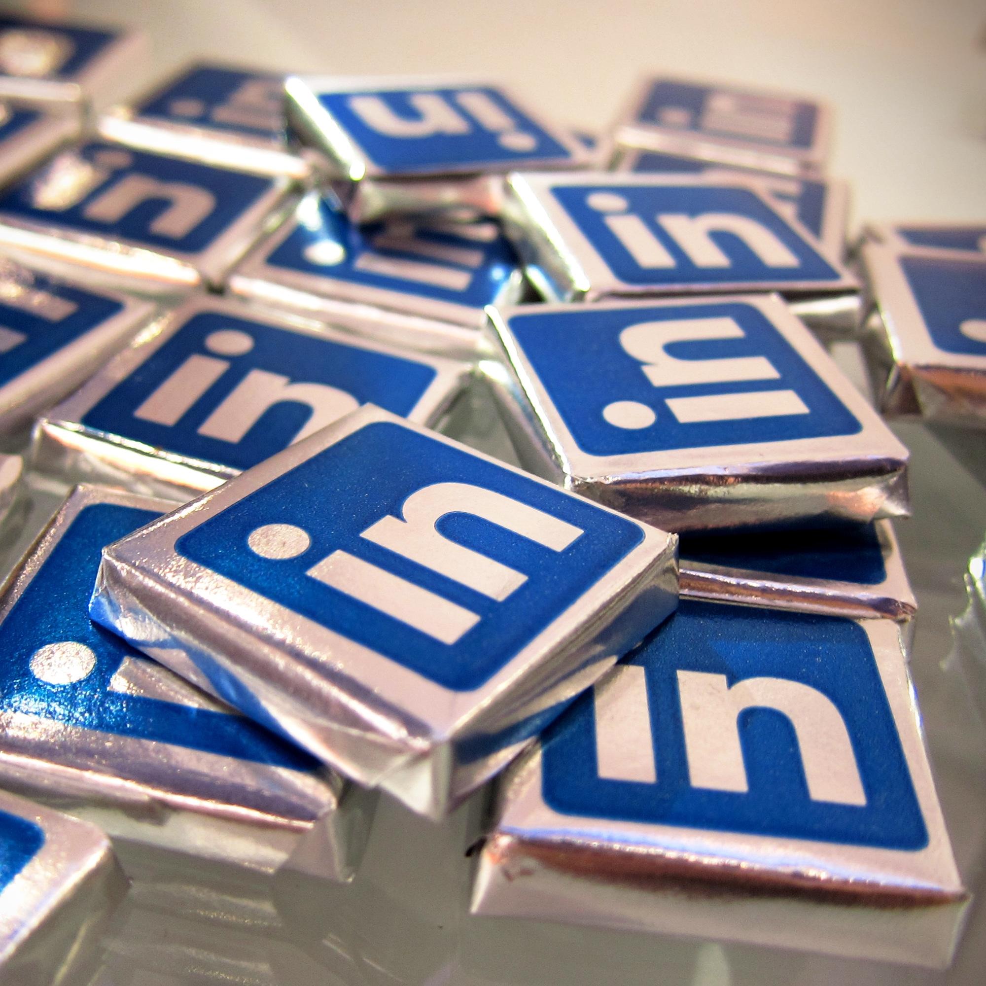 Foto: Schokoladentäfelchen mit LinkedIn-Logo